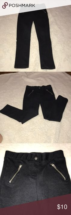 Girls skinny pants Skinny black pants with a cute zipper detail in front, no tag, good condition Bottoms Casual