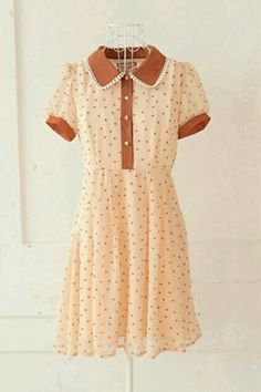 Love the dress..... would lace leggings be too much? (Vintage Top Girly)
