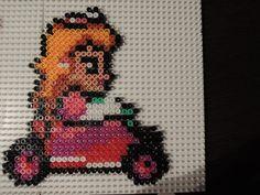 Mario Kart Peach aus Bügelperlen  Perler Beads by Baumberger Entdecker