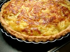 Quiches, Leek Quiche, Pizza Cake, Outdoor Kitchen Bars, Crepes, Fall Recipes, Nutella, Entrees, Food To Make