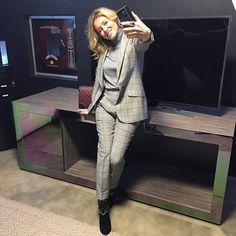 #ElenaBarolo Elena Barolo: ~ first selfie with my new #samsung #galaxys7 ~ #newera #elenabarolo #selfie #newtechnology #TheNextGalaxy
