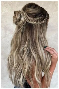 Check out this list of 32 super cute braided hairstyles to get inspiration from! Check out this list of 32 super cute braided hairstyles to get inspiration from! Check out this list of 32 super cute braided hairstyles to get inspiration from! Unique Braided Hairstyles, Box Braids Hairstyles, Winter Hairstyles, Hairstyle Ideas, Elegant Hairstyles, Cute Down Hairstyles, Curly Hairstyles For Prom, Prom Hairstyles Half Up Half Down, Hairstyles For Dances