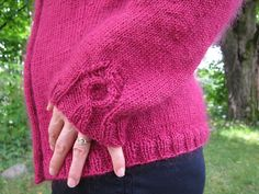 The Coriander Cardigan knitted by Les Fous D'Art http://www.ravelry.com/projects/AnnieJeanson/coriander