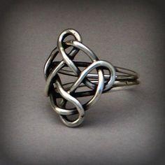 celtic knot ring by leespicedragon, via Flickr