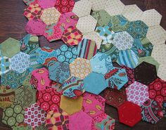 Quilting | ... tuned for patchwork quilting now presents how to paper piece quilts