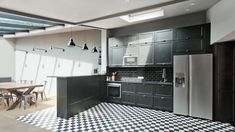 A single-storey 170 renovated from A to Z Kitchen Island, Kitchen Cabinets, Home Kitchens, Sweet Home, Design Inspiration, Design Ideas, Black And White, The Originals, House