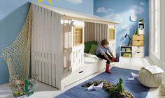 """Einfach mal für sich sein – mit dem gemütlichen Strandhütten-Bett """"Kiddy"""" ist das möglich. Ideal wenn sich Geschwister ein Zimmer teilen, denn mit der Strandhütte hat jeder sein eigenes Reich. Auch in ein Jugendbett wandelbar."""