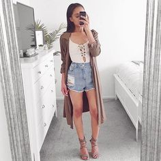 Elayna Denim Shorts and Tan Tahaa Trench | #SaboSkirt  Outfit goaling with @taliacupcake