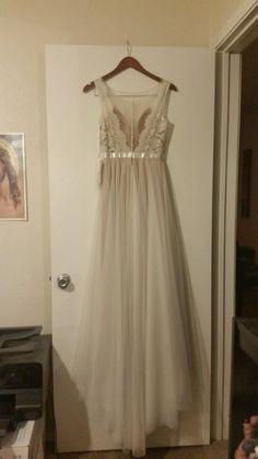 Watters Santina, 6089B, $1,900 Size: 0 | New (Un-Altered) Wedding Dresses