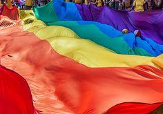Galerie de photos: Parade Fierté Montréal, par James St Laurent. Scènes de l'événement LGBT.