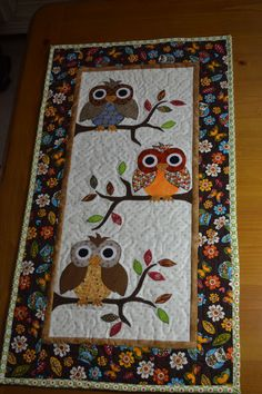 New Patchwork Quilt Animals Wall Hangings 33 Ideas Colchas Quilt, Owl Quilts, Bird Quilt, Animal Quilts, Baby Quilts, Owl Patterns, Applique Patterns, Applique Quilts, Quilt Patterns