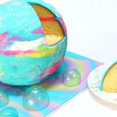 Edible Lush intergalactic bath bomb!! #cakevideo #cakedecorating  #instacake #cakedesign #caketutorial #bathbomb #lush