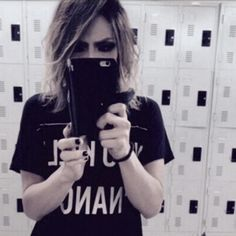 Kai(The GazettE) takin a boss selfie