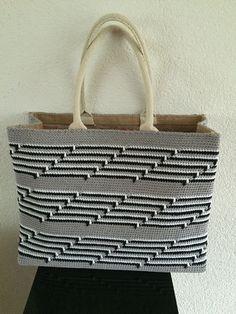 Jute tas omgehaakt! Grijs - wit- zwarte katoen Met het patroon van breiclub.nl