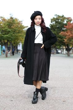 Refinery29: Notepads Out! 20 Next-Level Seoul Street-Style Snaps