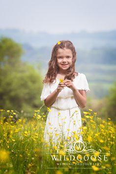 #ButtercupField #SummerPhotoShoot #SummerPhotography #NaturalLightPhotography #Buttercups #Flowers