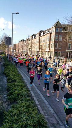 Rotterdam Kralingen Crooswijk...Rotterdam Marathon 10 april 2016....door Crooswijk..L.Loe