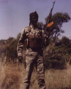 He is wearing Recce 1st camo pattern uniform (32Bn camo was based off this), and parafox chest webbing (used by Pathfinders). //South African Border War