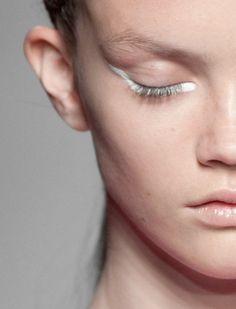 White eyeliner Spring 2013