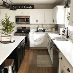 24 Beautiful Modern Farmhouse Kitchen Decor Ideas And Remodel. If you are looking for Modern Farmhouse Kitchen Decor Ideas And Remodel, You come to the right place. Below are the Modern Farmhouse Kit. Farmhouse Style Kitchen, Kitchen Redo, Home Decor Kitchen, Kitchen Styling, New Kitchen, Farmhouse Ideas, Updated Kitchen, 10x10 Kitchen, White Kitchen Decor