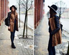 fedora hat! Blogandthecity.net one of my favorite fashion blog :)