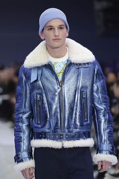 LOOK 23 Fashion Show Fall Winter