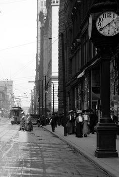 Fourth St., Cincinnati, Ohio, c.1900′s.