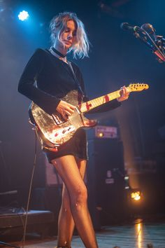 wolfalices: Ellie Rowsell @ Warsaw Ballroom