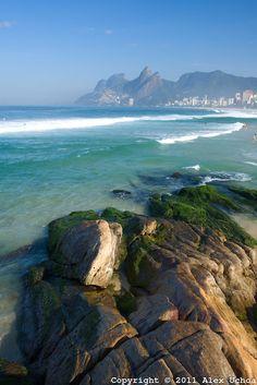 Vista da Praia de Ipanema a partir da pedra do arpoador, no Rio de Janeiro