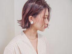 """977 Likes, 3 Comments - 安藤圭哉 SHIMA PLUS1 stylist (@andokeiya) on Instagram: """"ハンサムショートボブ . 束感とツヤ感は プロダクトのワックスが一番キープできます . #shima #切りっぱなし #roku #ボブ #ショートボブ #ヴィンテージファッション #古着…"""""""