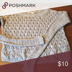 Hollister Lightweight Sweater Light weight light tan sweater Hollister Sweaters Crew & Scoop Necks