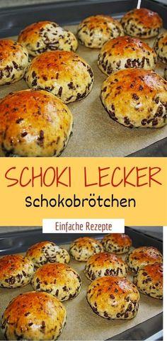 Schoki delicious chocolate rolls- Schoki lecker Schokobrötchen Ingredients For the dough: 300 g flour 1 pck. Baking powder 125 g sugar 250 g low-fat quark 4 tbsp milk 4 tbsp oil 1 egg (s), size M 100 g chocolate sprinkles - Donut Recipes, Healthy Dessert Recipes, Smoothie Recipes, Snack Recipes, Easy Snacks, Healthy Snacks, Easy Meals, Healthy Smoothies, Eating Healthy