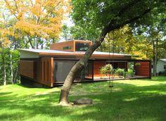 Ferrous House by Johnsen Schmaling Architects