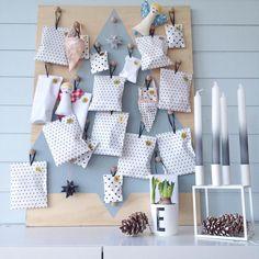 Årets julekalender begynner å ta form. Snaaart advent! Se flere kalendere inne hos @kreasiw og taggen #kreasiw_adventcalendar