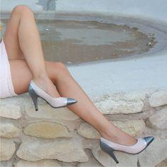 Stiletto Heels, Pumps, Shoes, Fashion, Brand Name Shoes, Combination Colors, Over Knee Socks, Fur, Elegant