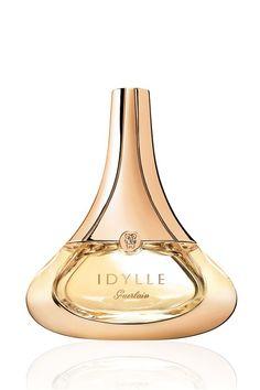 İsmimi taşıyan bir parfüm olmasından daha güzeli varsa o parfümün çok güzel kokmasıdır :)