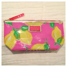Lilly Pulitzer for Estée Lauder Cosmetic Bag Lilly Pulitzer for Estée Lauder Cosmetic Bag. Brand new. Protective plastic is on the pink zipper pull. Great for the Summer. Lilly Pulitzer Accessories