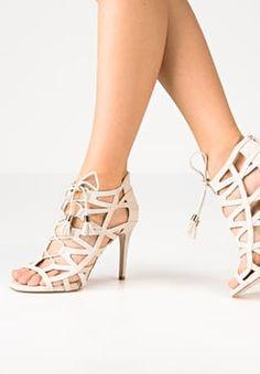 Meilleures 27 Du Tableau Chaussures Images A6qd0O