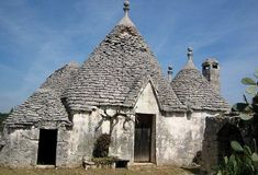 Trulli house ~ Italy's fantastical farmers' sheds turned into holiday homes #Tipsforbuildingashed