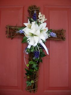grapevine cross arrangements | ... lavender lily of the valley ivy on a natural cross grapevine wreath Church Flowers, Funeral Flowers, Easter Wreaths, Holiday Wreaths, Diy Wreath, Grapevine Wreath, Cross Wreath, Memorial Flowers, Cemetery Flowers
