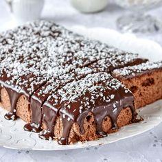 Läckra chokladrutor med chokladganache smakar gott till fikat.