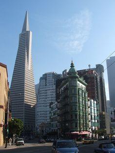 San Francisco, California, USA.    Transamerica Pyramid.