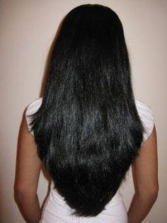 perfect cut for extraordinary hair Beautiful Haircuts, Beautiful Long Hair, Gorgeous Hair, Pretty Hairstyles, Beautiful Women, V Cut Hair, Hair Cuts, Medium Hair Styles, Long Hair Styles
