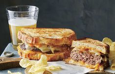 Instead of the usual hamburgers, surprise everyone with patty melts for dinner tonight. Sturdy, thick-cut bread such as sourdough can stand up to the meat and gooey cheeses in this classic sandwich. Use a cast-iron pan; it's a pro at handling the … Patty Melt Recipe, Beef Recipes, Cooking Recipes, Vegan Recipes, Hamburger Recipes, Hot Butter, Vegan Butter, Wrap Sandwiches, Vegan Sandwiches