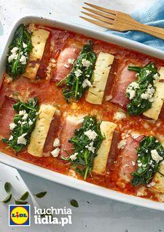 Roladki z mięsa mielonego z szynką, serem feta i szpinakiem w sosie pomidorowym. Kuchnia Lidla - Lidl Polska #lidl #Okrasa