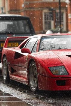 Ferrari F40 caught in the rain