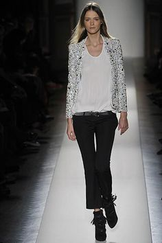 See the complete Balmain Fall 2008 Ready-to-Wear collection.