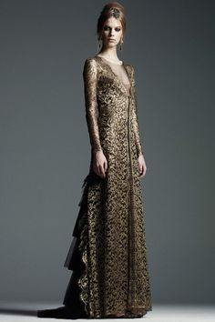 Gold Myrish lace for Cersei, Alberta Ferretti