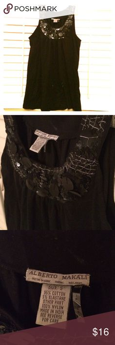 Alberto Makali Sequin Top S Beautiful Alberto Makali sequin top in a size small! All sequins are intact and silver stitching holds them together. Little to no wear and much prettier than the picture can show. Alberto Makali Tops Tank Tops