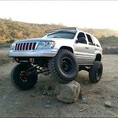Jeep Grand Cherokee WJ on Method Race Wheels